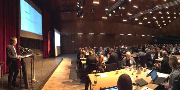 Næstveds borgmester Carsten Rasmussen åbner konferencen Vores Plads i Verden 23. oktober 2018.